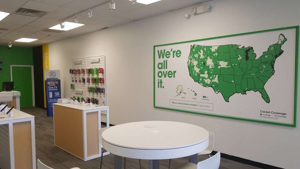 Cricket Wireless Authorized Retailer - store  | Photo 6 of 9 | Address: 8403 Michigan Rd ste d, Indianapolis, IN 46268, USA | Phone: (317) 493-5860