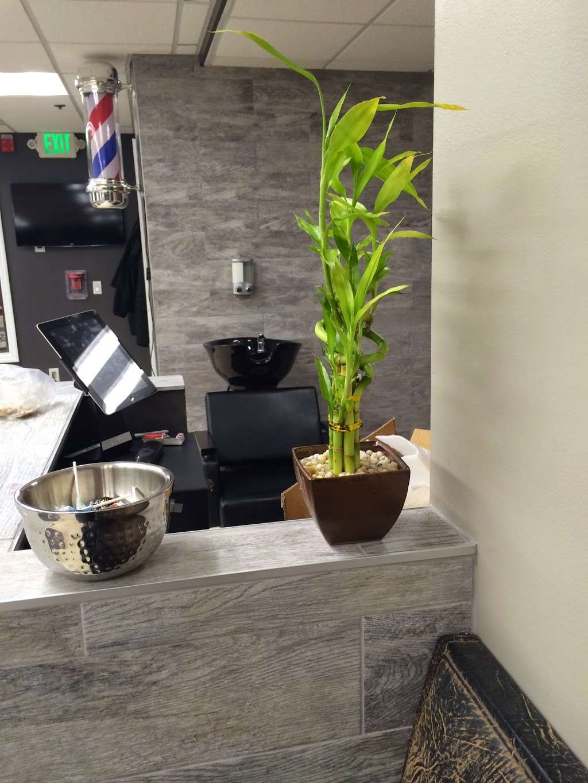 Groom Suite Barbershop - hair care  | Photo 5 of 10 | Address: 2006 Bigler St, Fort Lee, NJ 07024, USA | Phone: (201) 461-0261