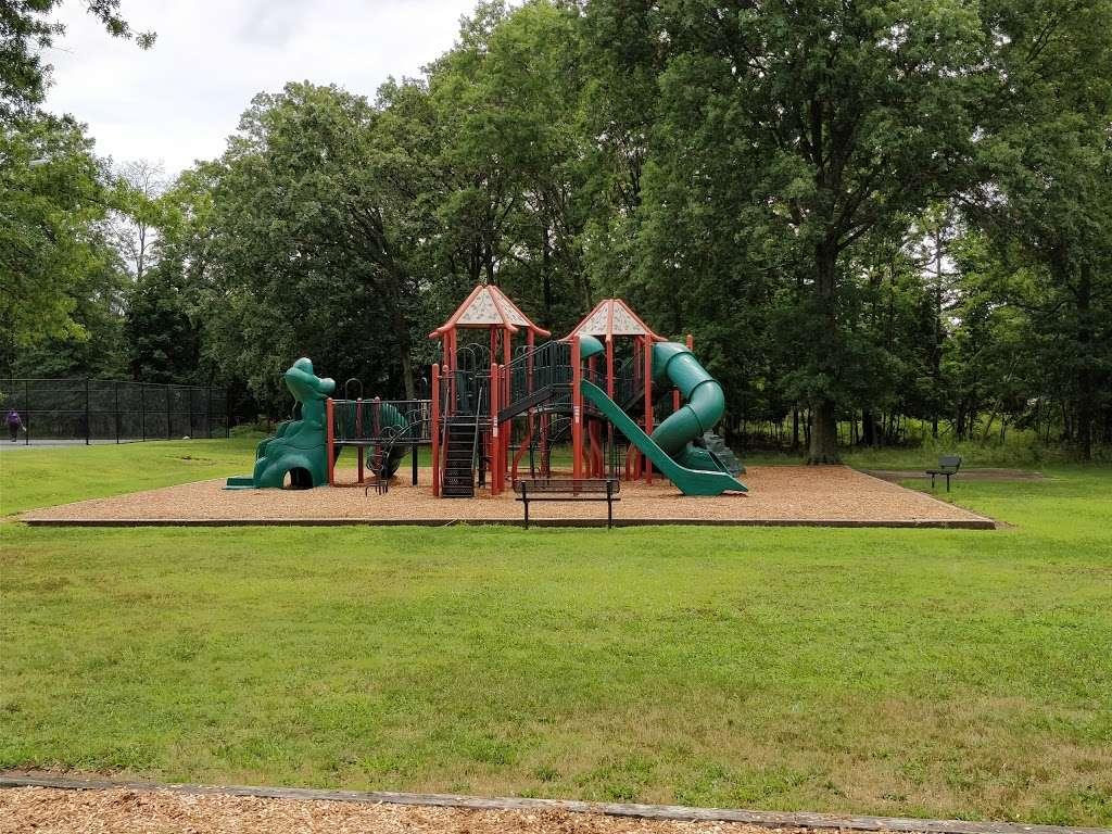 Suskin Park - park    Photo 1 of 10   Address: 91 Haines Ave, Piscataway Township, NJ 08854, USA