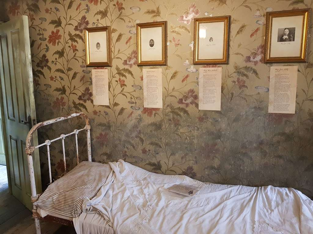 Jack The Ripper Museum - museum  | Photo 1 of 10 | Address: 12 Cable St, Whitechapel, London E1 8JG, UK | Phone: 020 7488 9811