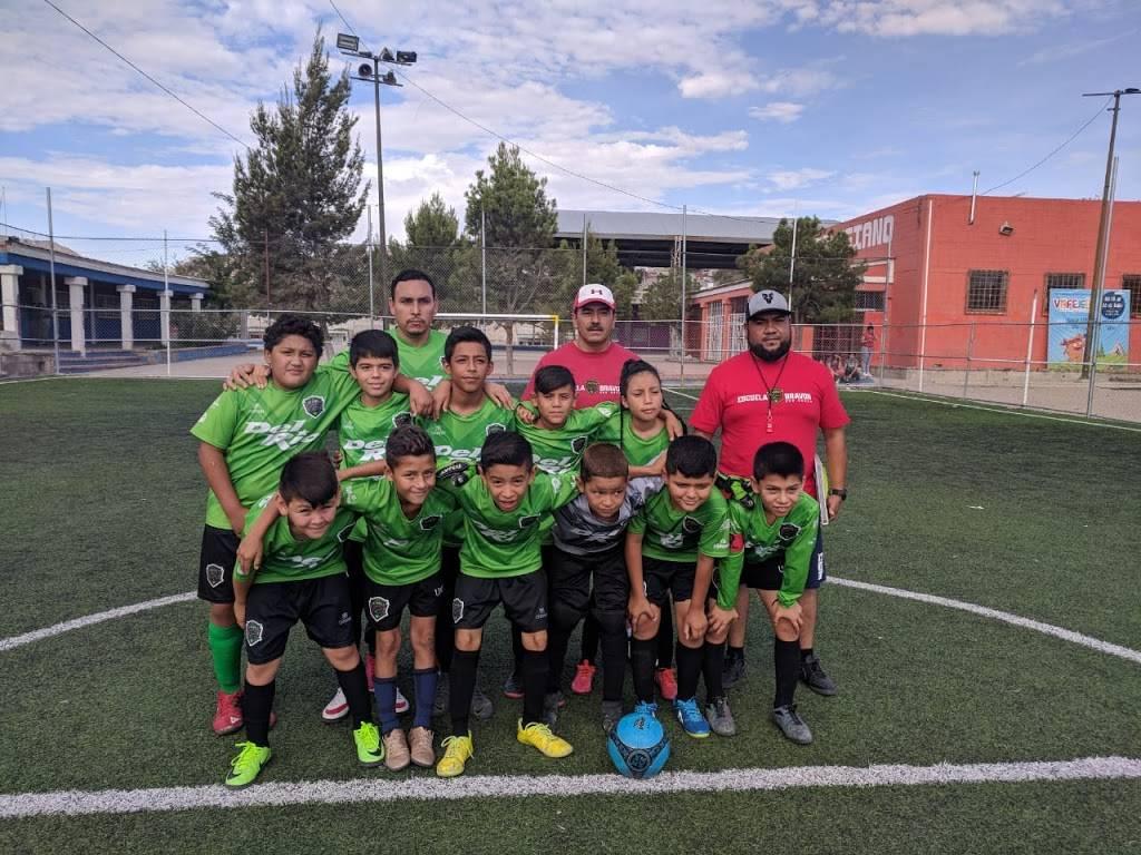 Escuela de Futbol FC JUAREZ BRAVOS filial Cd.Juarez - school    Photo 4 of 4   Address: 16 de Septiembre, 32210 Cd Juárez, Chih., Mexico   Phone: 656 430 2017