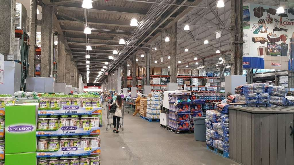 Costco Wholesale - store  | Photo 7 of 10 | Address: 3250 Vernon Blvd, Astoria, NY 11106, USA | Phone: (718) 267-3680