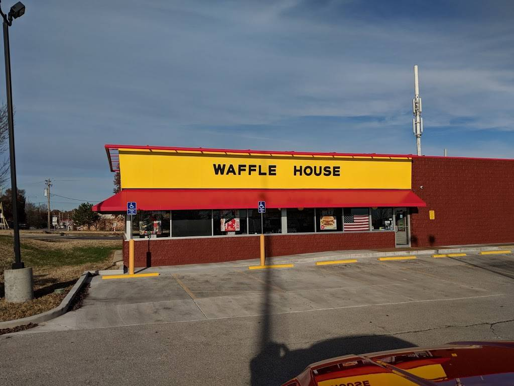 Waffle House - meal takeaway  | Photo 1 of 10 | Address: 3154 Telegraph Rd, St. Louis, MO 63125, USA | Phone: (314) 487-0212