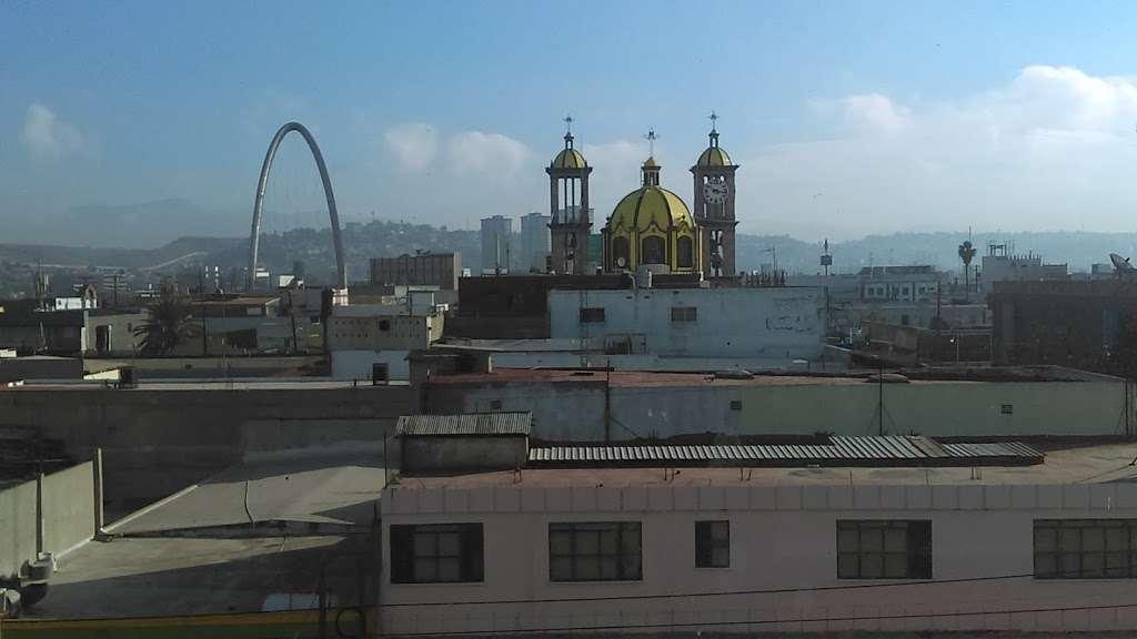 HOTEL PLAZA DE ORO - lodging  | Photo 1 of 10 | Address: Av. Miguel F. Martinez 785 B, Centro, 22000 Tijuana, B.C., Mexico | Phone: 664 685 1437
