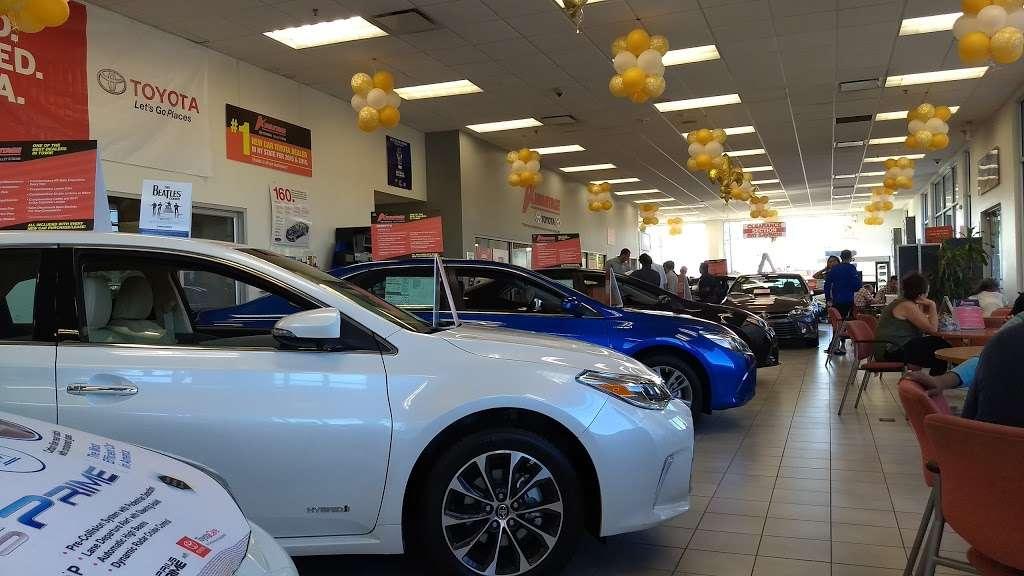Advantage Toyota - car dealer  | Photo 3 of 10 | Address: 400 W Sunrise Hwy, Valley Stream, NY 11581, USA | Phone: (516) 887-8600