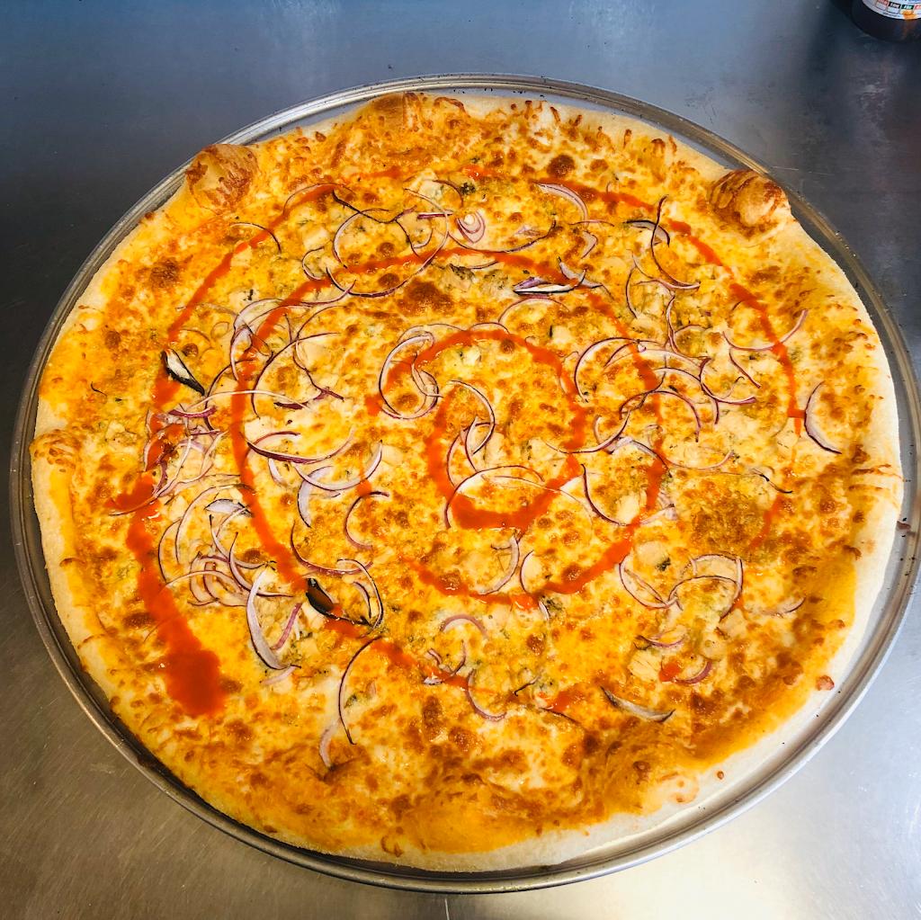 Frankies Famous Pizza - restaurant  | Photo 6 of 10 | Address: 1561 N Cooper Rd #101, Gilbert, AZ 85233, USA | Phone: (480) 507-7777