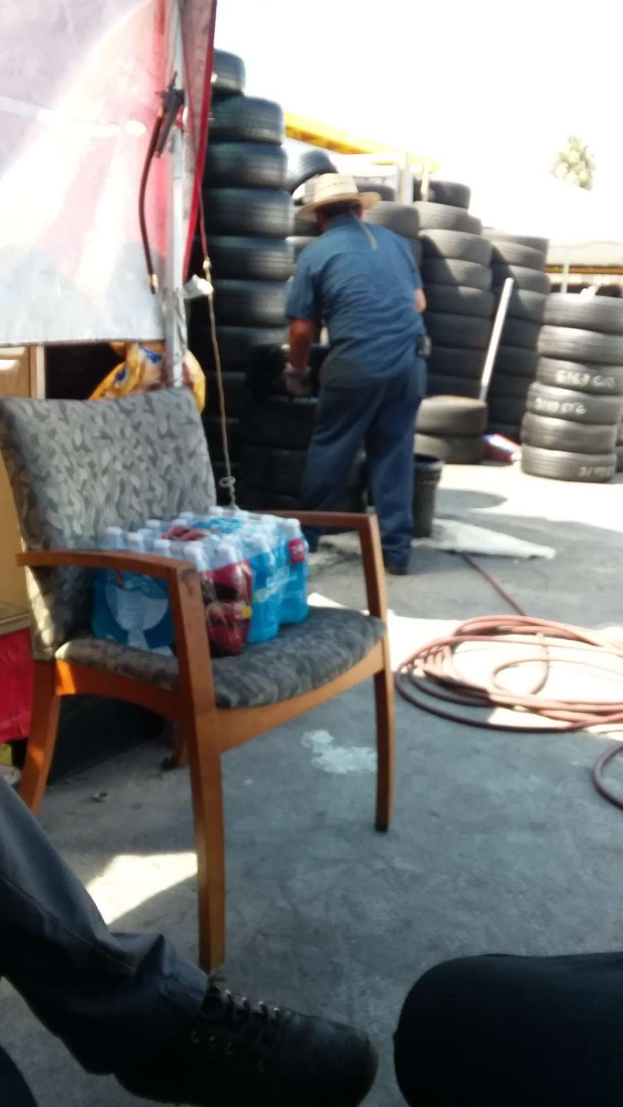Leon Tires & Wheels - car repair  | Photo 6 of 10 | Address: 8431 S Main St, Los Angeles, CA 90003, USA | Phone: (323) 456-5405
