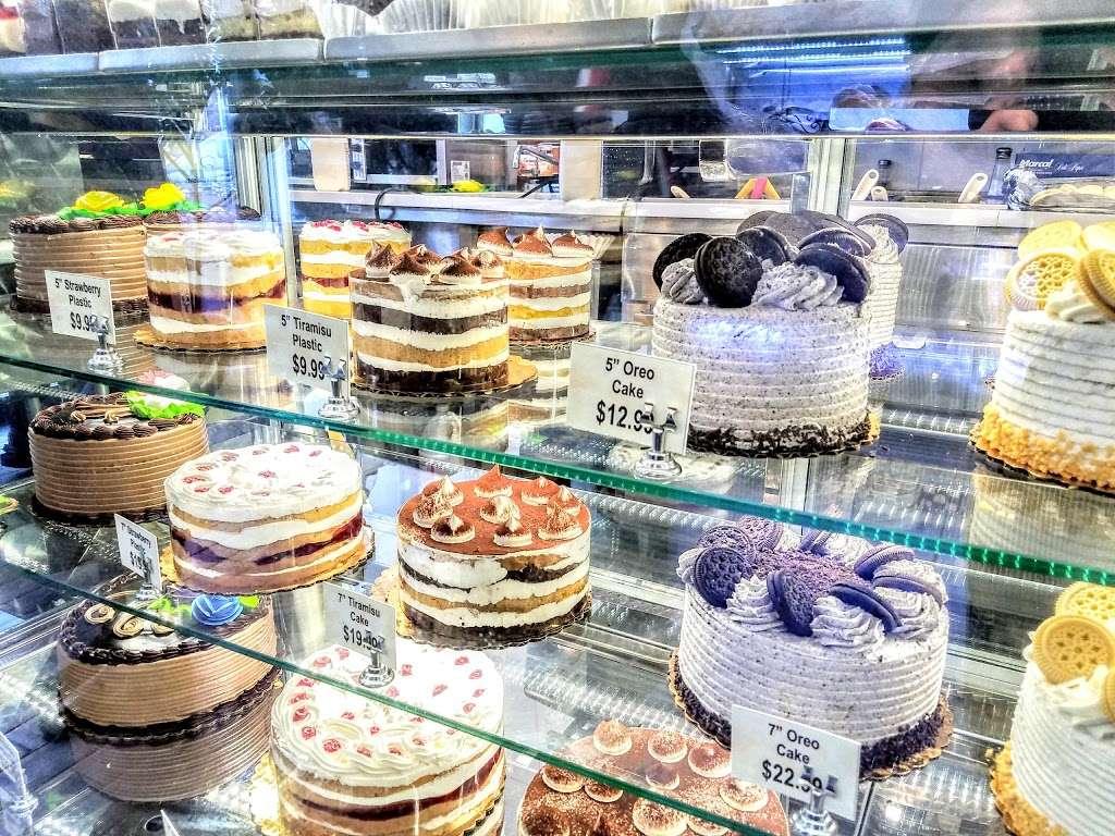 Shloimys Bake Shoppe - bakery  | Photo 3 of 10 | Address: 4712 16th Ave, Brooklyn, NY 11204, USA | Phone: (718) 854-1766