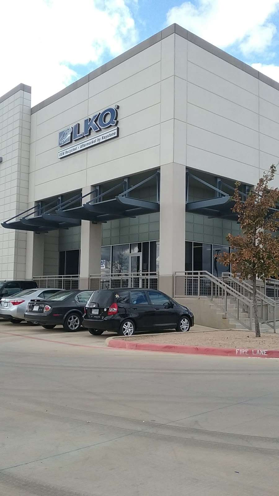 LKQ - car repair  | Photo 2 of 10 | Address: 17745 Lookout Rd Suite 100, Selma, TX 78154, USA | Phone: (210) 666-1190