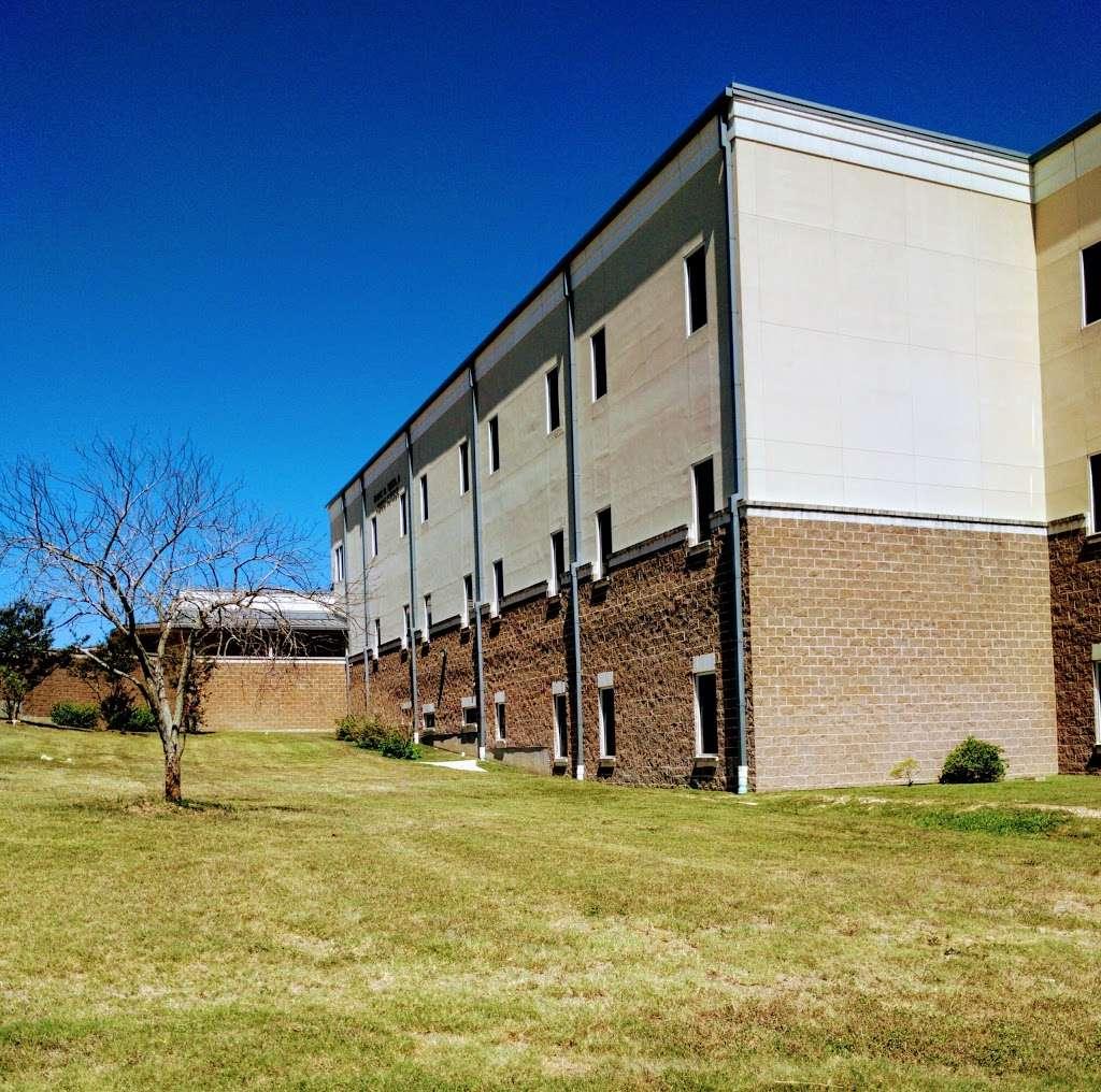 Frank Tejeda Middle School - school  | Photo 3 of 10 | Address: 2909 Evans Rd, San Antonio, TX 78259, USA | Phone: (210) 356-5600