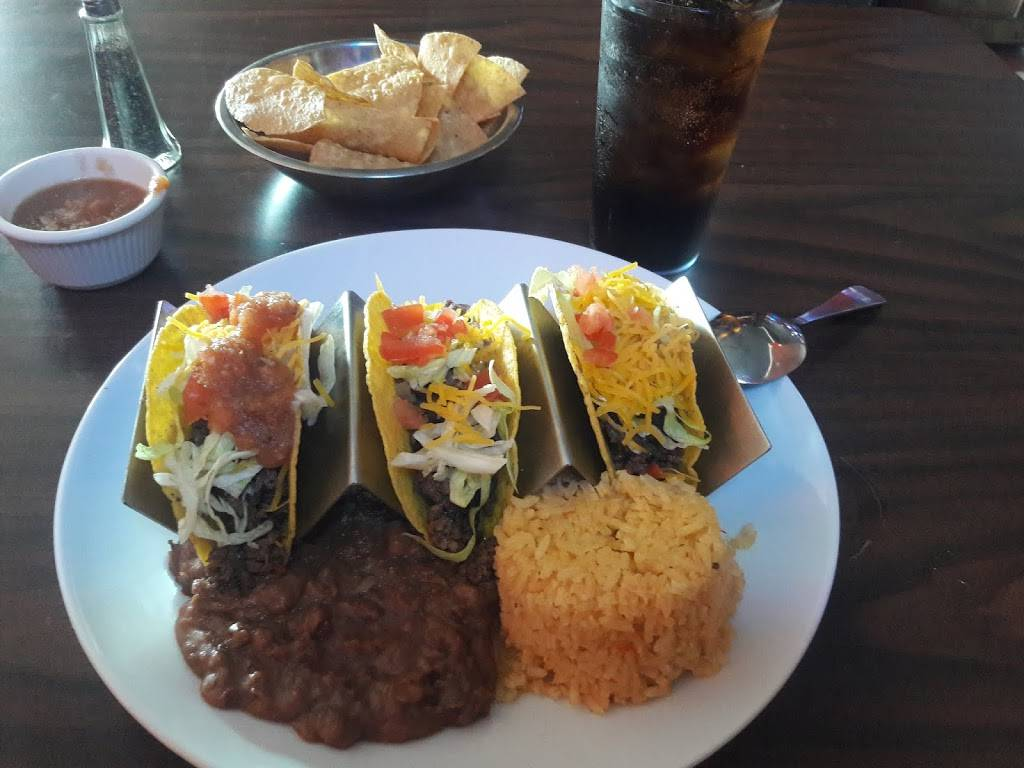 El Botanero Bar - restaurant  | Photo 7 of 10 | Address: 3049 W Northwest Hwy, Dallas, TX 75220, USA | Phone: (469) 399-0082