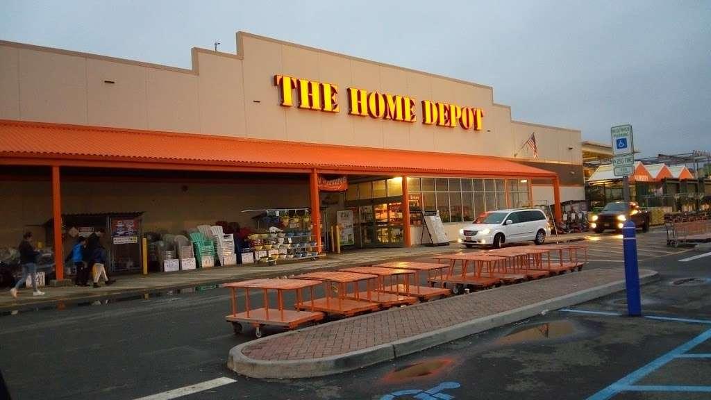The Home Depot - hardware store  | Photo 4 of 10 | Address: 124-04 31st Ave, Flushing, NY 11354, USA | Phone: (718) 661-4608