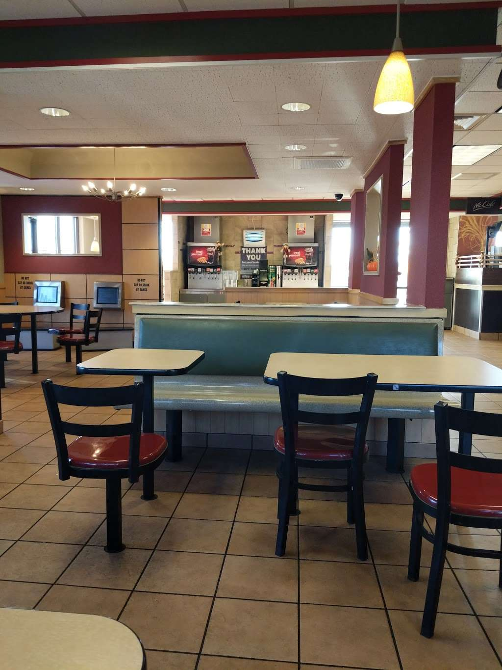 McDonalds - cafe  | Photo 2 of 10 | Address: 2891 Philadelphia Ave, Chambersburg, PA 17201, USA | Phone: (717) 263-2970