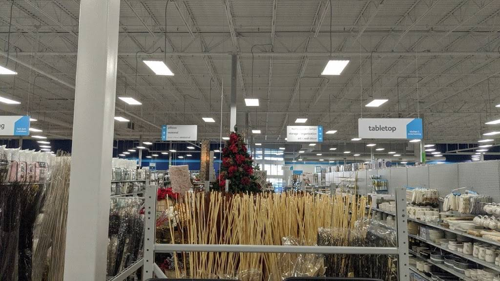 At Home - home goods store  | Photo 9 of 9 | Address: 6845 S 27th St, Lincoln, NE 68512, USA | Phone: (402) 417-1000