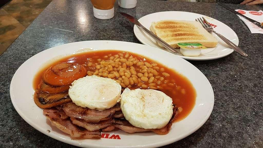 Wimpy - restaurant  | Photo 8 of 10 | Address: 95 High St, Eltham, London SE9 1TD, UK | Phone: 020 8850 8801