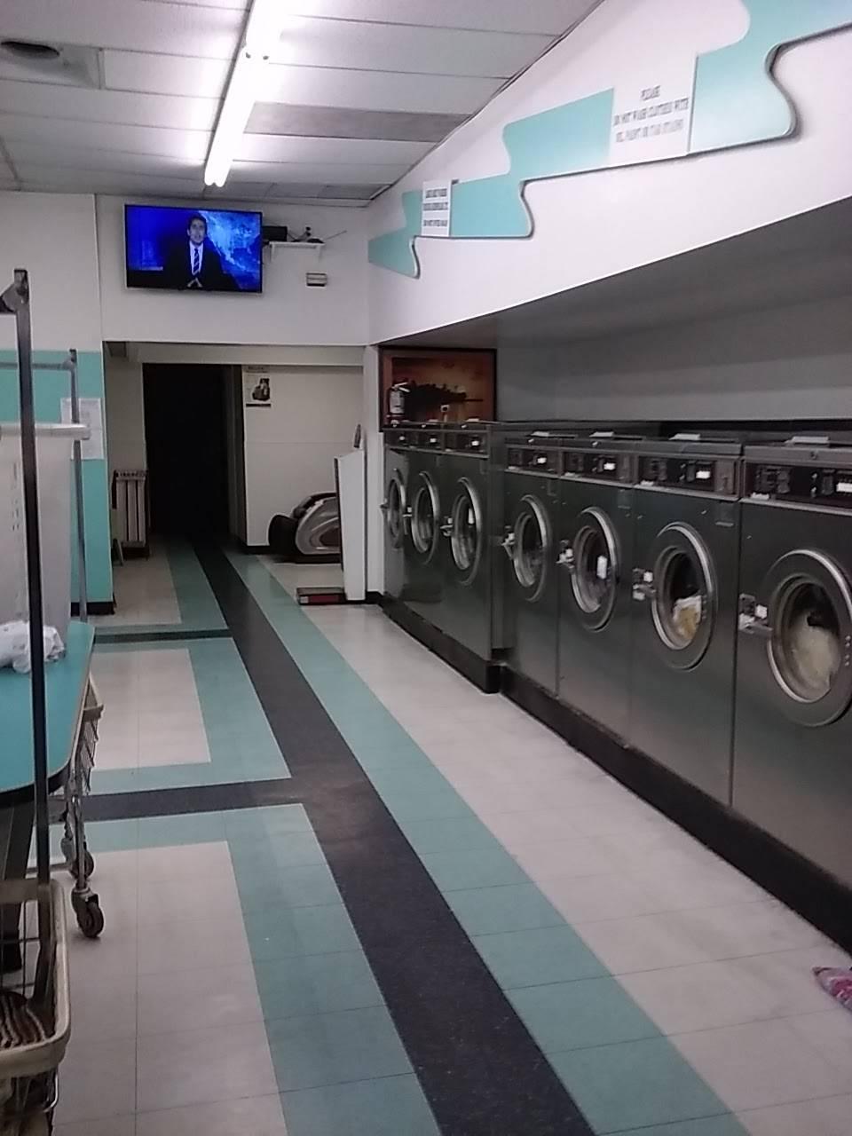 Kims Coin Laundry & Dry Cleaners - laundry  | Photo 3 of 10 | Address: 4450 E Charleston Blvd # 4, Las Vegas, NV 89104, USA | Phone: (702) 489-4417