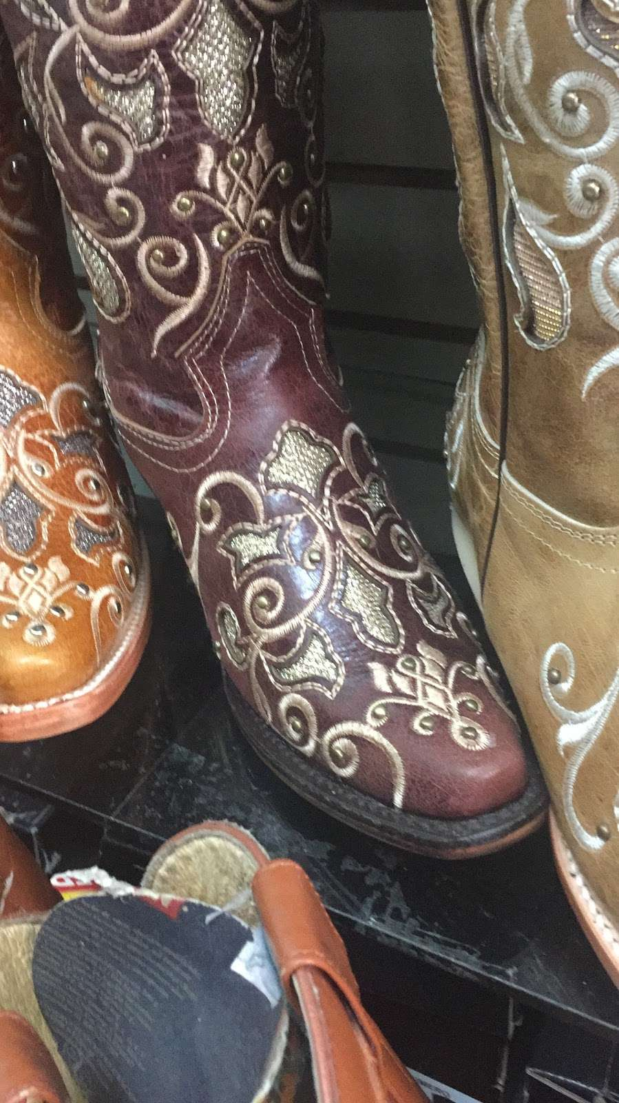 Vaquero Boots - clothing store  | Photo 4 of 4 | Address: 2342 Alum Rock Ave, San Jose, CA 95116, USA | Phone: (408) 926-7140