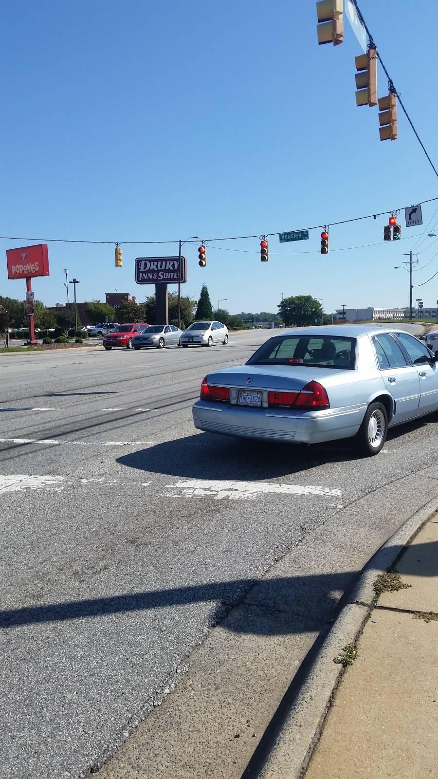 Shell - gas station  | Photo 4 of 4 | Address: 3301 W Gate City Blvd, Greensboro, NC 27407, USA | Phone: (336) 636-5201