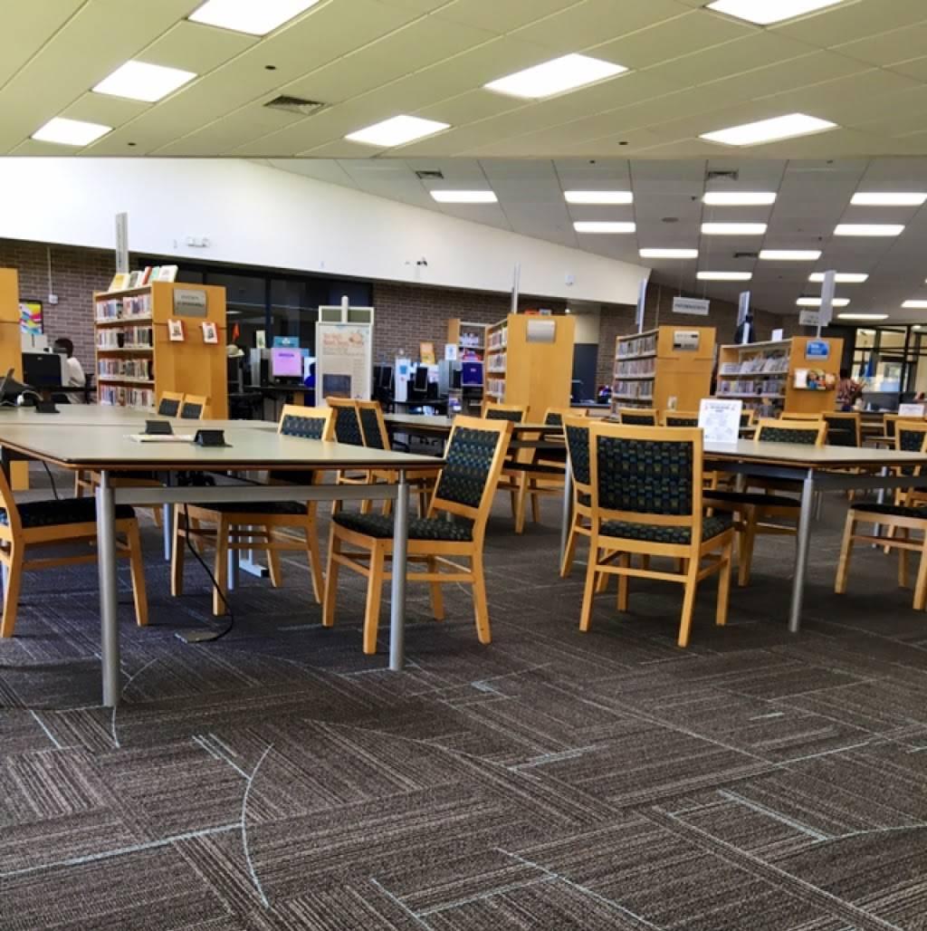 Metropolitan Library System - Ralph Ellison Library - library  | Photo 3 of 7 | Address: 2000 NE 23rd St, Oklahoma City, OK 73111, USA | Phone: (405) 424-1437
