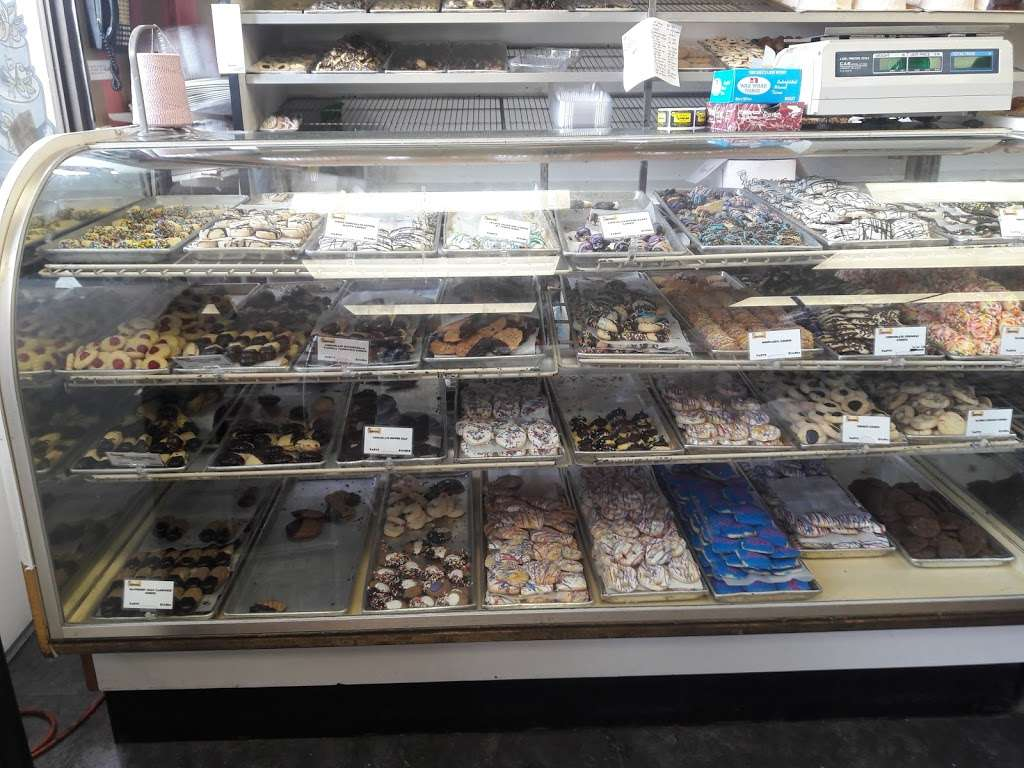 Butterflake Bakeshop - bakery  | Photo 5 of 10 | Address: 448 Cedar Ln, Teaneck, NJ 07666, USA | Phone: (201) 836-3516
