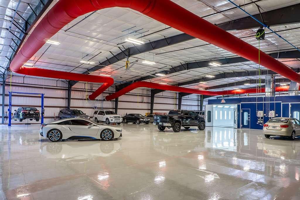 Windermere Collision Center - car repair  | Photo 4 of 10 | Address: 933 Carter Rd, Winter Garden, FL 34787, USA | Phone: (407) 554-2228