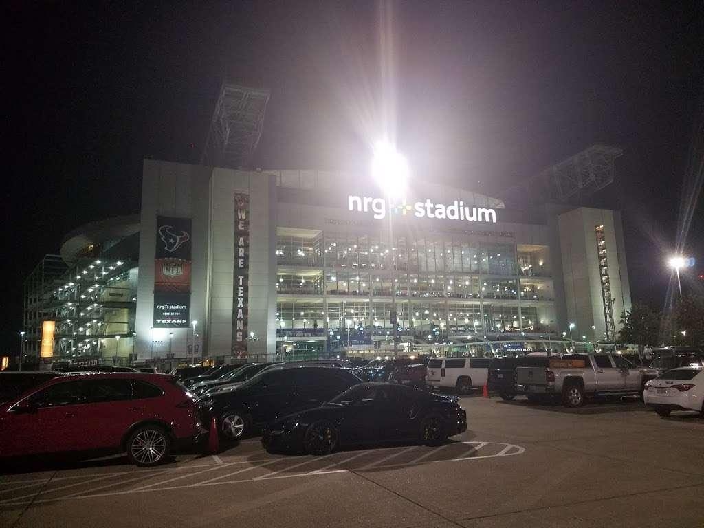 Blue Lot - parking  | Photo 2 of 10 | Address: 8510 Kirby Dr, Houston, TX 77054, USA