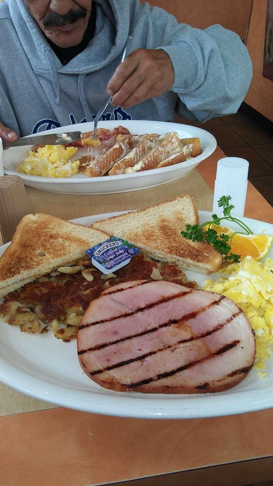 Flames Xpress - restaurant  | Photo 8 of 10 | Address: 11003 Lower Azusa Rd, El Monte, CA 91731, USA | Phone: (626) 350-7500