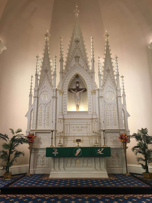 St. Lucas Lutheran Church - church  | Photo 9 of 10 | Address: 2605 S Kinnickinnic Ave, Milwaukee, WI 53207, USA | Phone: (414) 483-9122