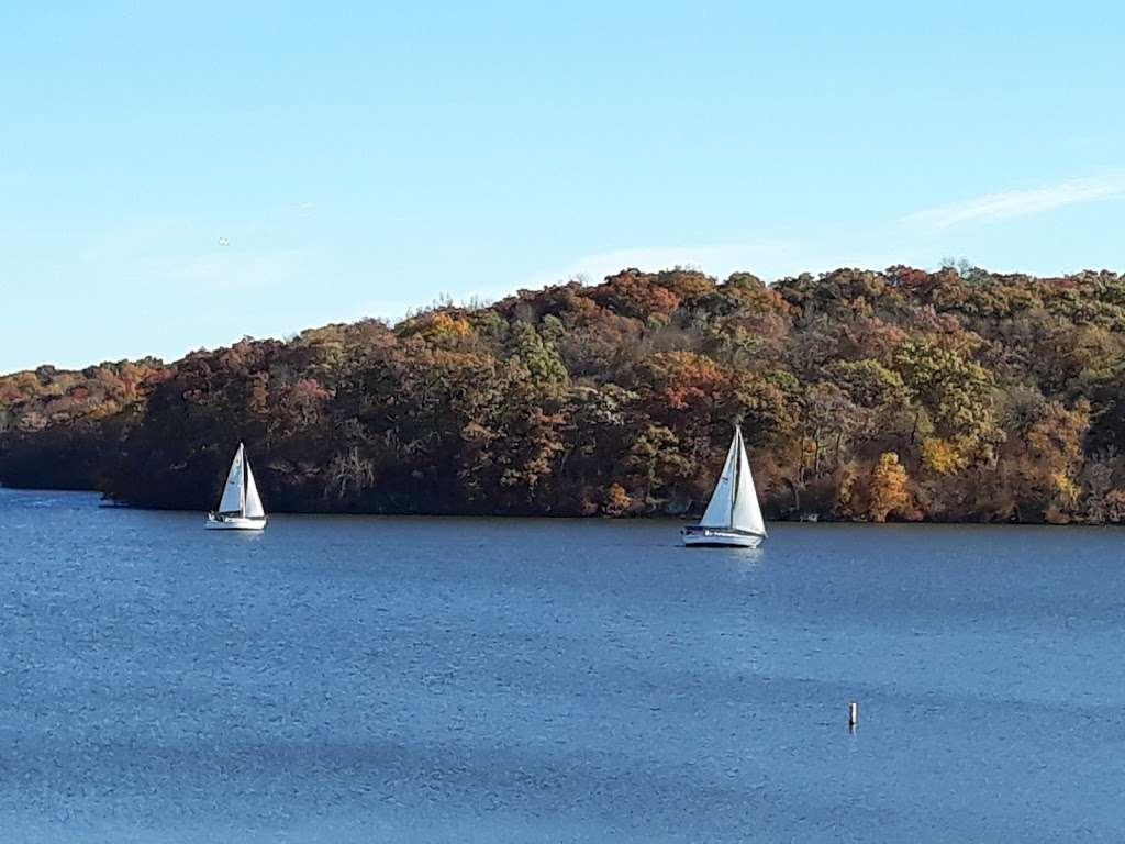Lake Jacomo Shelter - park  | Photo 1 of 7 | Address: 7401 W Park Rd, Blue Springs, MO 64015, USA | Phone: (816) 795-8888