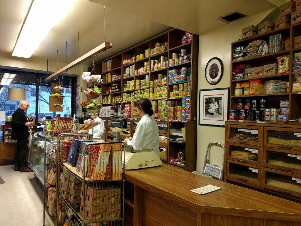 Raffettos - store  | Photo 1 of 10 | Address: 144 W Houston St, New York, NY 10012, USA | Phone: (212) 777-1261