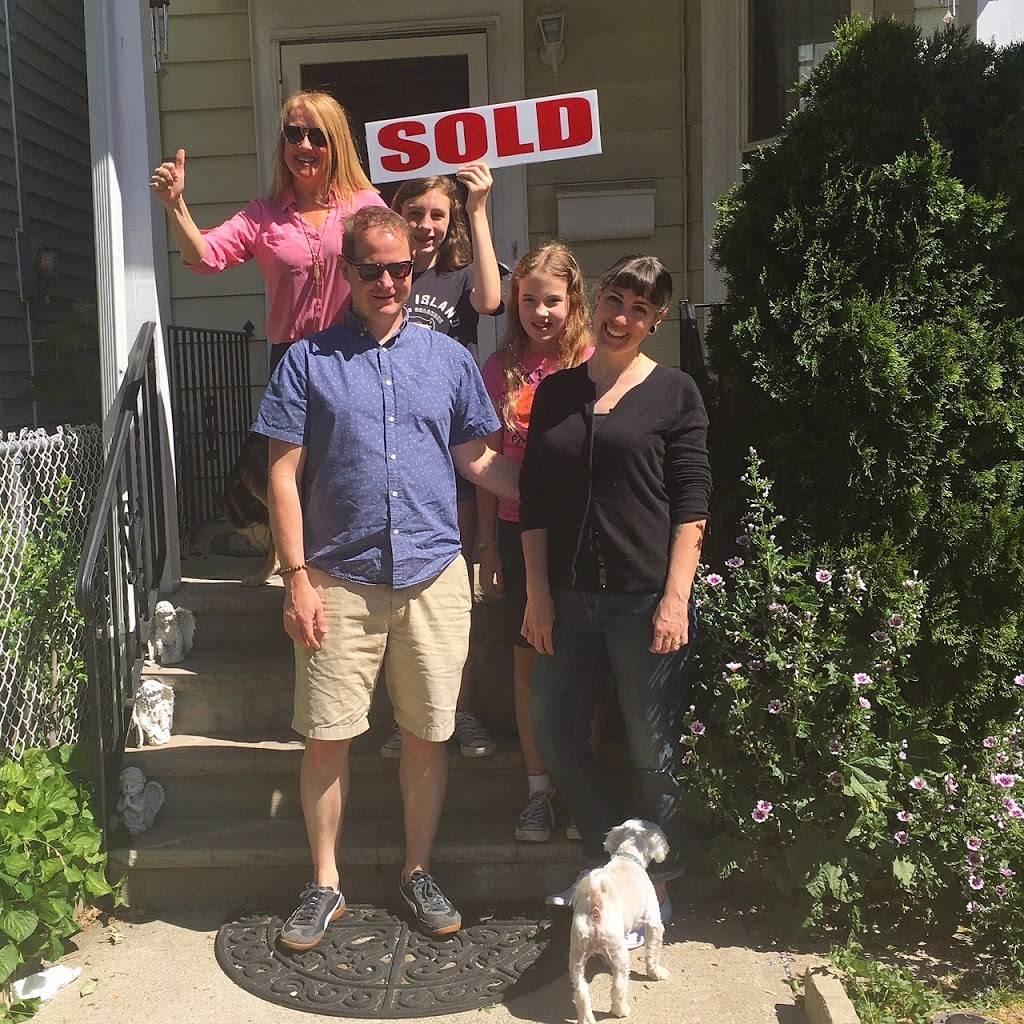 Hollys Staten Island Buzz Realty - real estate agency  | Photo 9 of 9 | Address: 4 Minthorne St, Staten Island, NY 10301, USA | Phone: (718) 702-6848