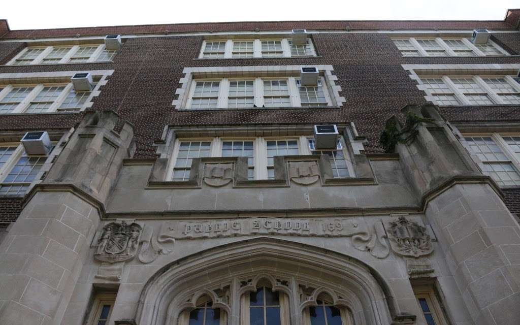 Sunset Park School - school  | Photo 2 of 10 | Address: 4305 7th Ave, Brooklyn, NY 11232, USA | Phone: (718) 853-3224