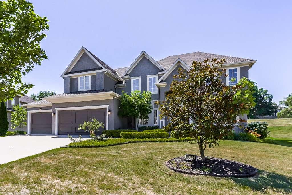 Overland Park Kansas Vacation Property - real estate agency    Photo 7 of 10   Address: 9711 W 145th Terrace, Overland Park, KS 66221, USA   Phone: (214) 713-3353