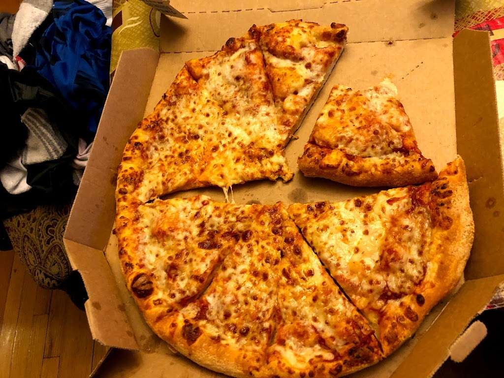 Dominos Pizza - meal delivery  | Photo 9 of 10 | Address: 352 Anderson Ave, Cliffside Park, NJ 07010, USA | Phone: (201) 945-3700