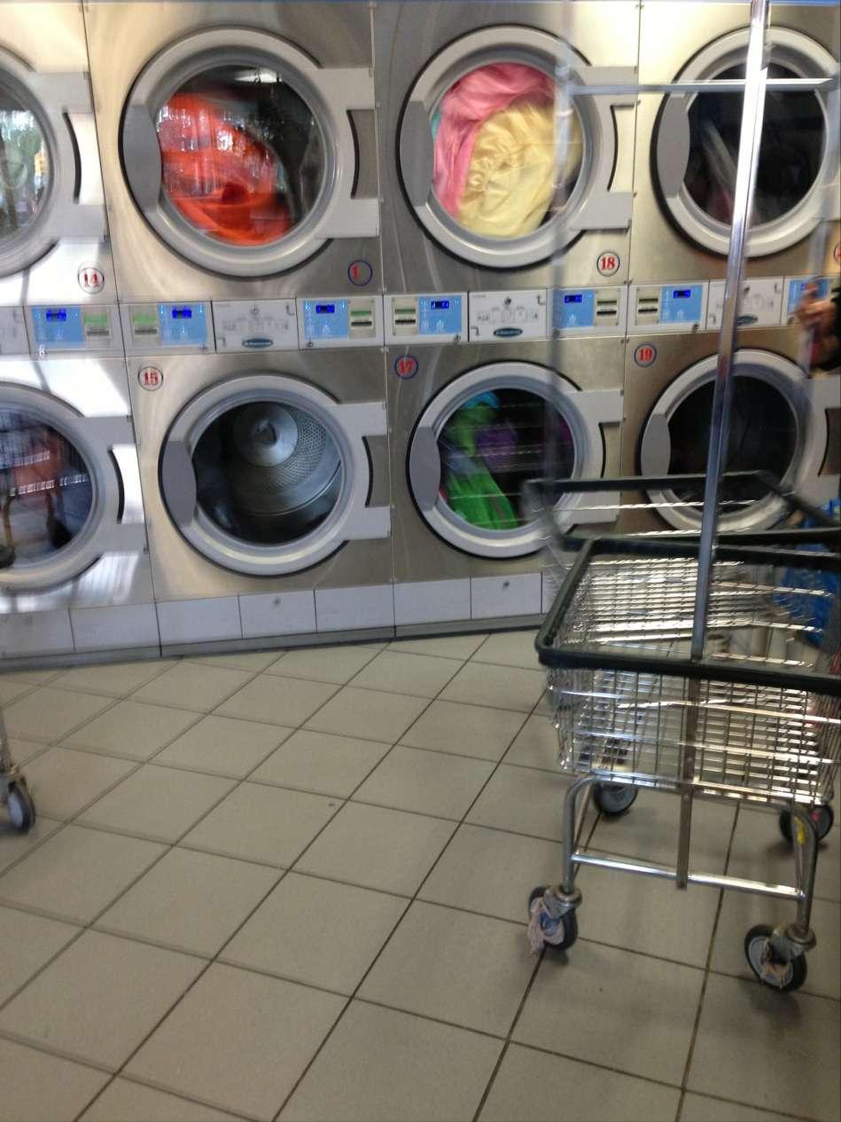 Clean City Laundry - laundry  | Photo 4 of 7 | Address: 673 Bushwick Ave, Brooklyn, NY 11221, USA | Phone: (718) 443-8888