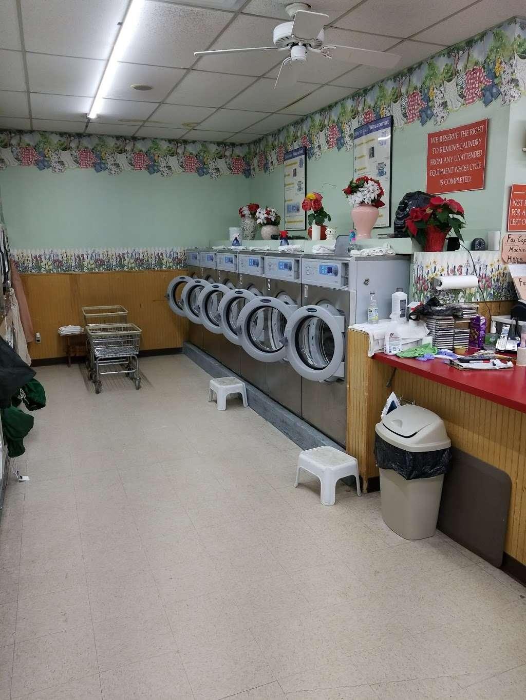 Soap Box laundromat & organic dry cleaning - laundry  | Photo 5 of 6 | Address: 529 10th St, Palisades Park, NJ 07650, USA | Phone: (201) 585-2793