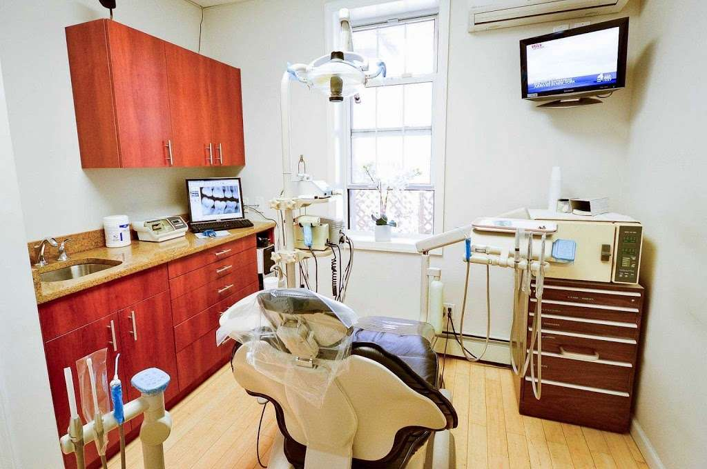 Smile Dental Astoria - dentist  | Photo 1 of 4 | Address: 29-4 Ditmars Blvd, Astoria, NY 11105, USA | Phone: (718) 721-9495