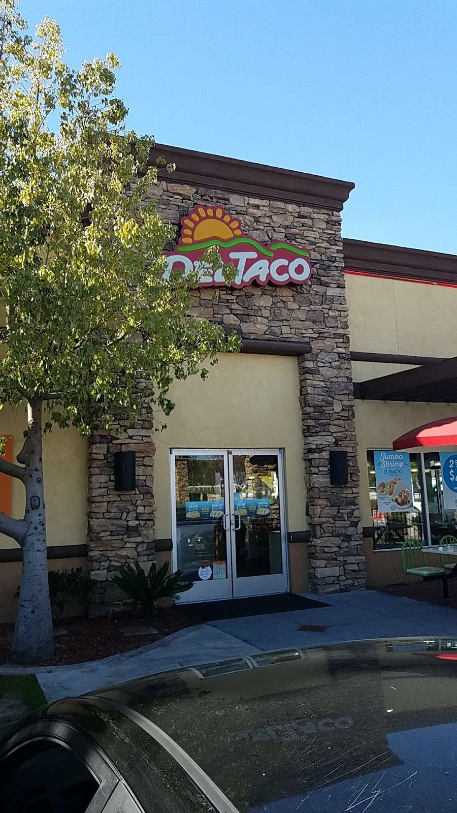 Del Taco - meal takeaway  | Photo 2 of 10 | Address: 30607 CA-79, Temecula, CA 92592, USA | Phone: (951) 693-4212