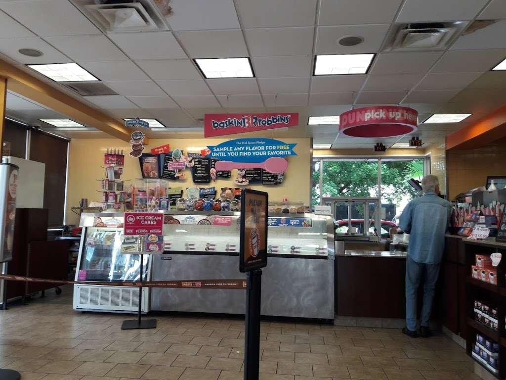 Dunkin - bakery  | Photo 8 of 10 | Address: 95 NW 167th St, North Miami Beach, FL 33169, USA | Phone: (305) 655-0101