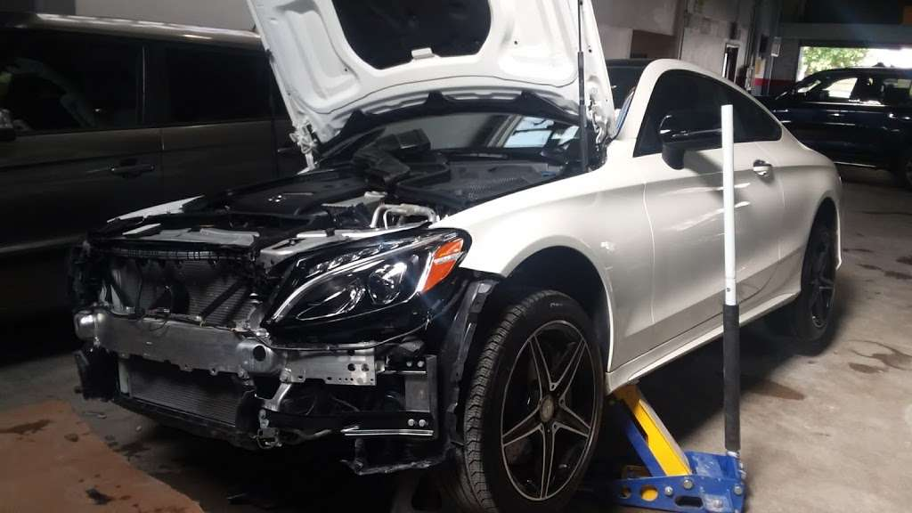 Brians Auto Body Shop Inc - car repair  | Photo 2 of 6 | Address: 51-04 58th Pl, Woodside, NY 11377, USA | Phone: (917) 605-1160