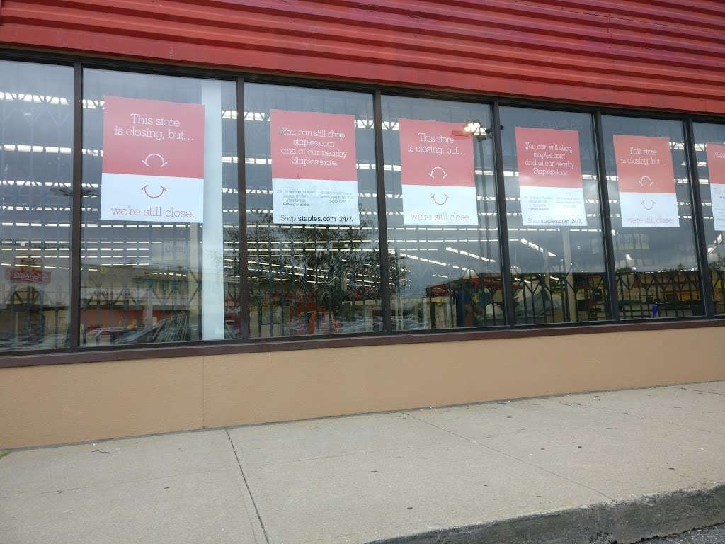 Staples - furniture store    Photo 8 of 10   Address: 134-01 20th Ave, College Point, NY 11356, USA   Phone: (718) 460-2258