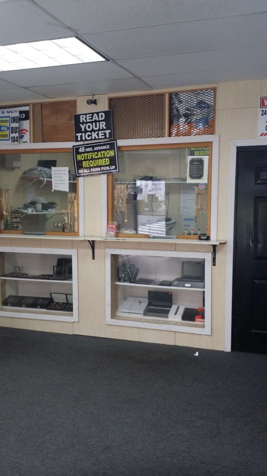 STAR GOLD & GEM - store  | Photo 4 of 10 | Address: 400 E Gun Hill Rd, Bronx, NY 10467, USA | Phone: (347) 346-4080