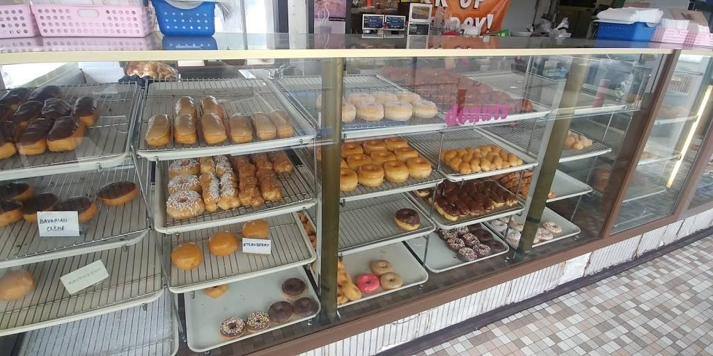 Bakery Corner Donuts - bakery  | Photo 3 of 8 | Address: 1001 3rd Ave, Chula Vista, CA 91911, USA | Phone: (619) 420-5732