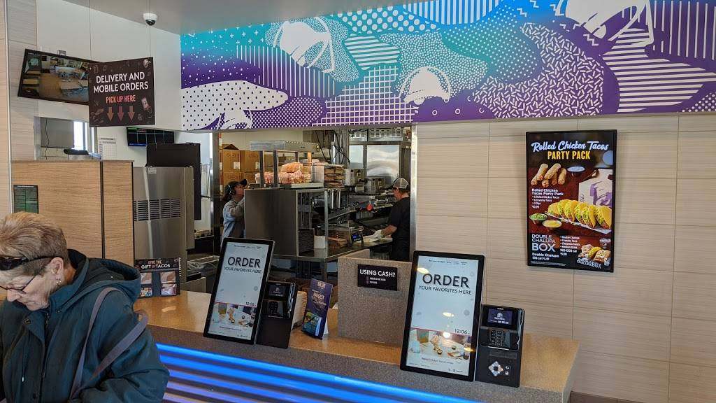 Taco Bell - meal takeaway  | Photo 9 of 10 | Address: 7049 10th St N, Oakdale, MN 55128, USA | Phone: (763) 273-5504