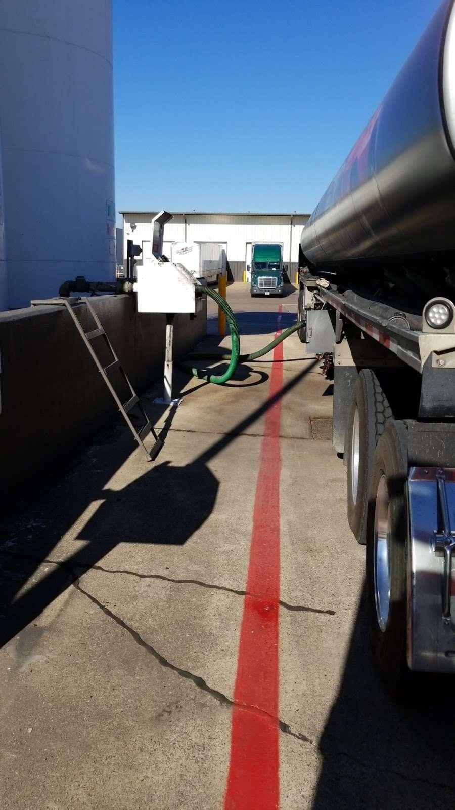 Heartland Express Inc - moving company  | Photo 9 of 10 | Address: 215 Environmental Way, Seagoville, TX 75159, USA | Phone: (866) 284-5605