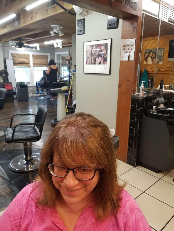 Wild Hairs Salon - hair care  | Photo 9 of 10 | Address: 508 Denise Ct, Williamstown, NJ 08094, USA | Phone: (856) 629-4712