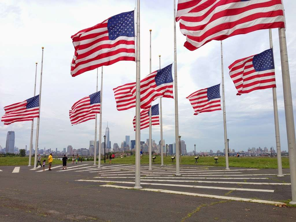 Flag Plaza - park  | Photo 2 of 10 | Address: Jersey City, NJ 07305, USA