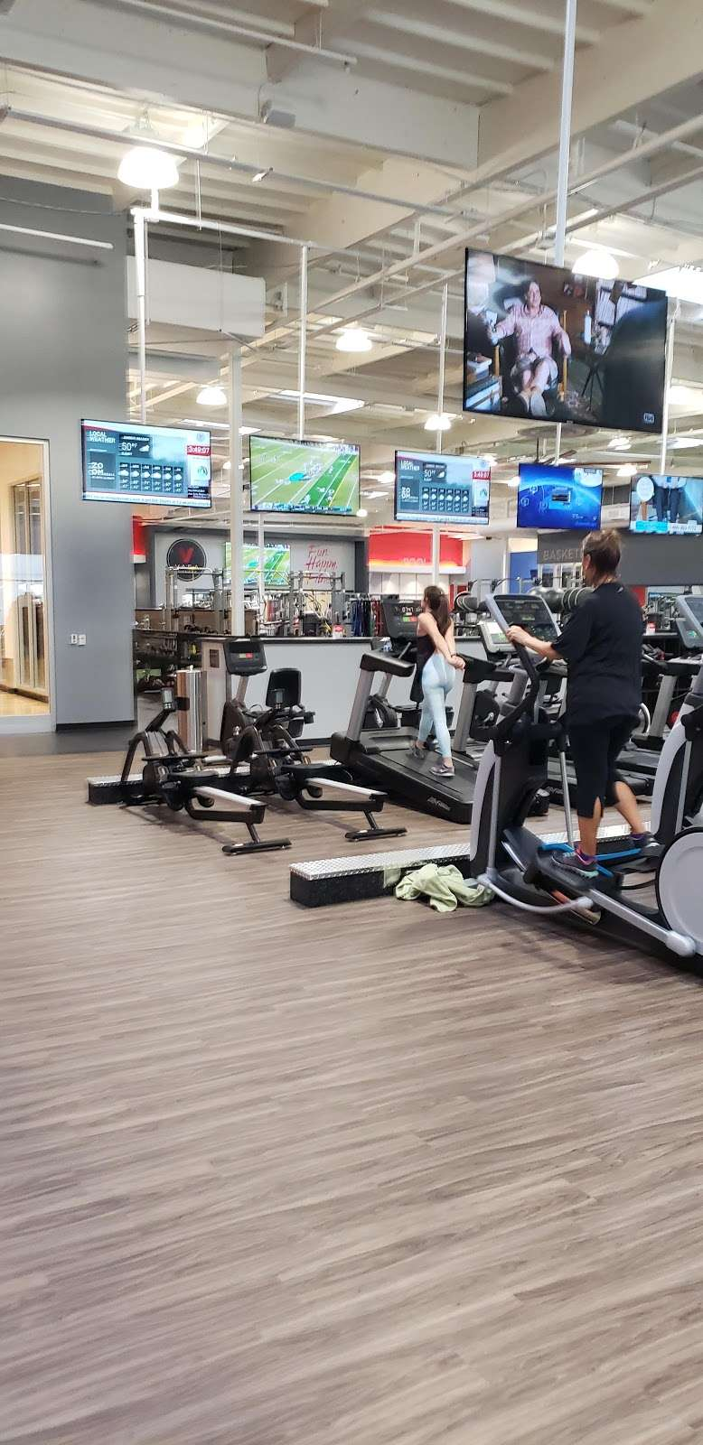 VASA Fitness - gym    Photo 3 of 9   Address: 4255 W Thunderbird Rd, Phoenix, AZ 85053, USA   Phone: (602) 603-0811