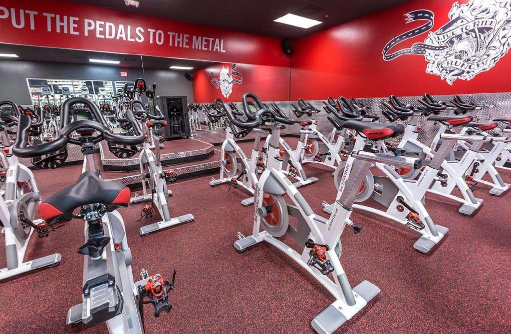 Crunch Fitness - Hudson - gym    Photo 10 of 10   Address: 205 Washington St, Hudson, MA 01749, USA   Phone: (978) 293-3633