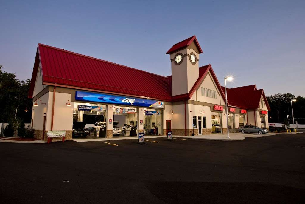 Valvoline Express Care - car repair  | Photo 2 of 4 | Address: 1401 E Main St, Cherryville, NC 28021, USA | Phone: (704) 435-3788